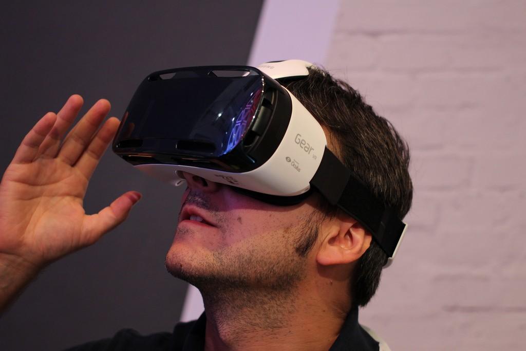 Virtual Reality Goggles Future Video Marketing